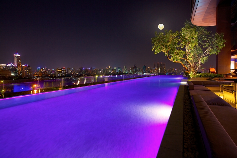 Sofitel So Bangkok - InfinityPool (Night View)