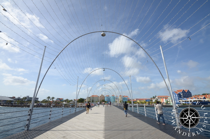 Queen Emma Pontoon Bridge, Curacao